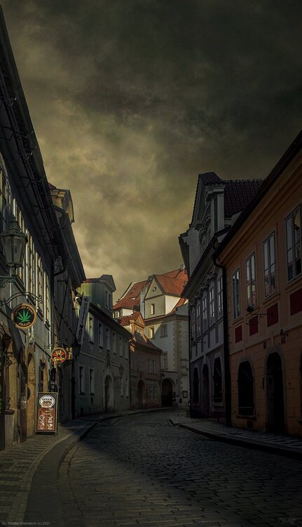 PragueStreetdh.jpg